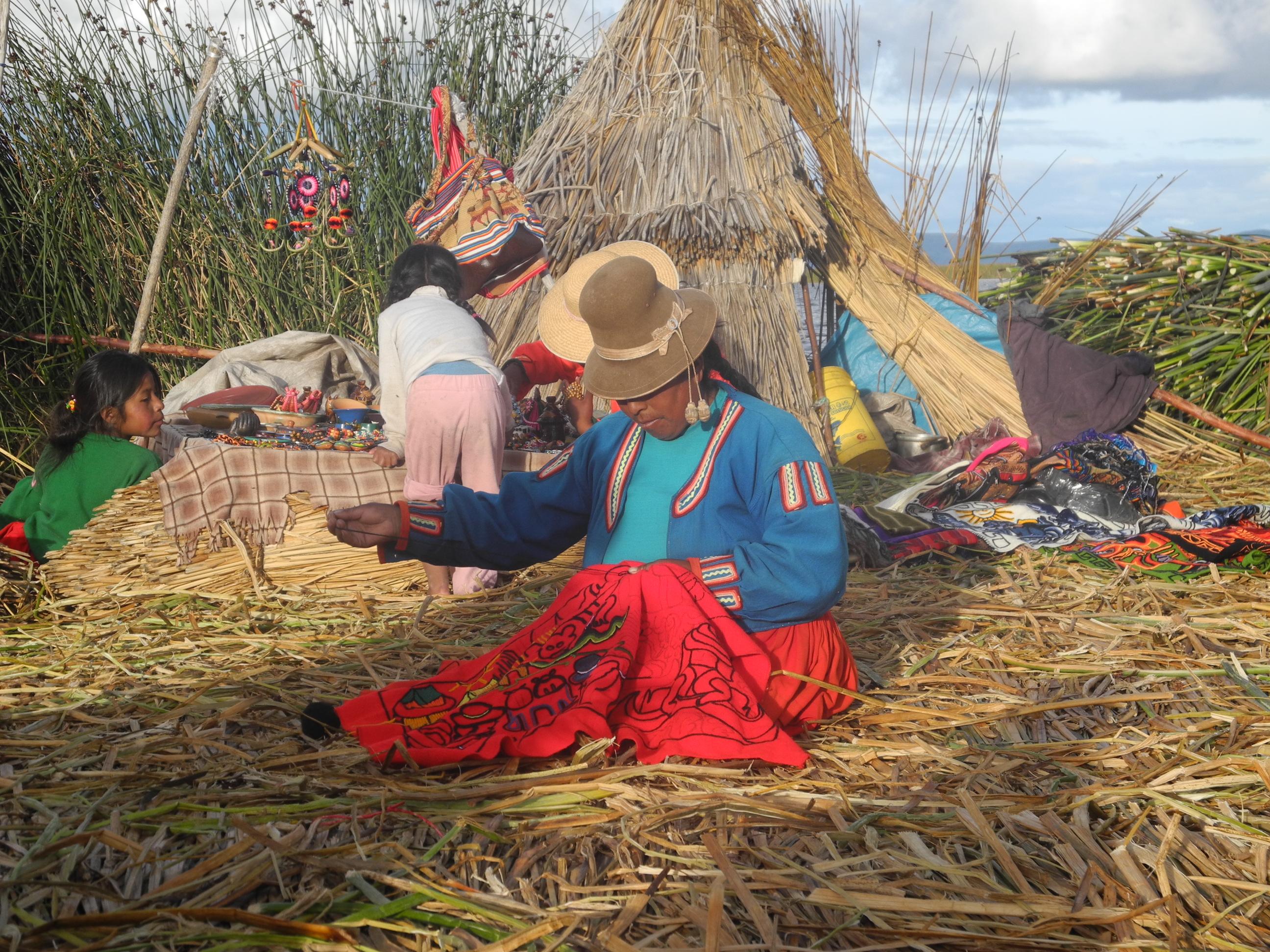 Lago Titicaca, Uros